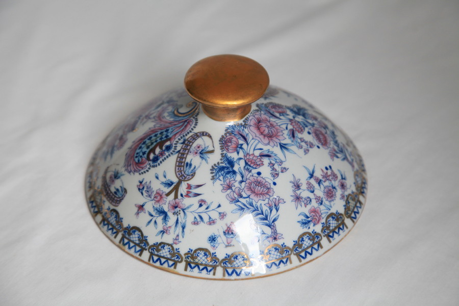 Replacement Lid - Filigree Rose China Design - Click Image to Close